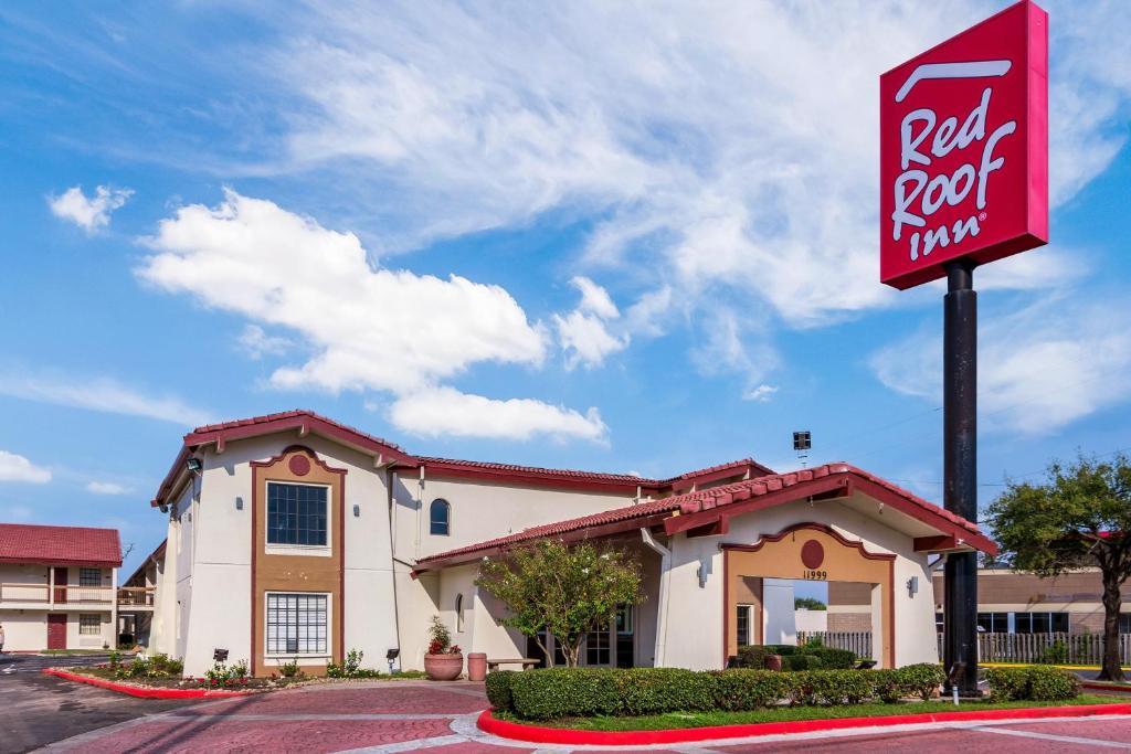 Red Roof Inn Houston East I-10