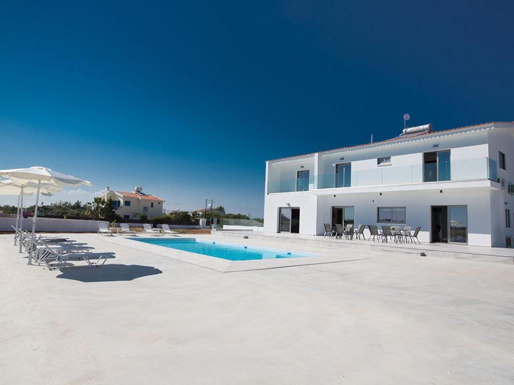 Villa Ioanni Chrysos - Luxury and New 6 Bedroom Protaras Villa - Beautiful Sea Views