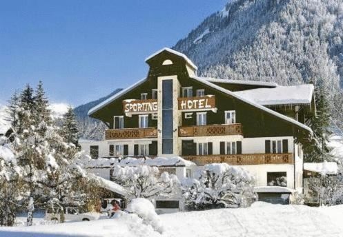 Le Petit Refuge Morzine France Reviews Prices Planet Of Hotels