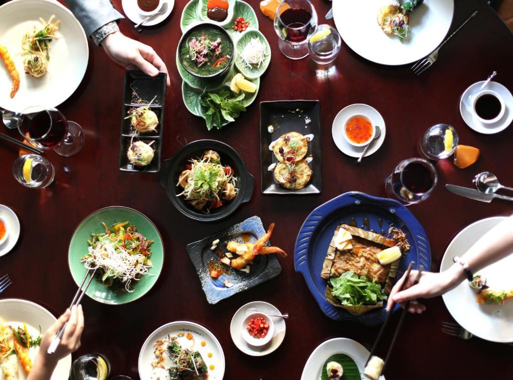 Shangri-La Hotels Dining