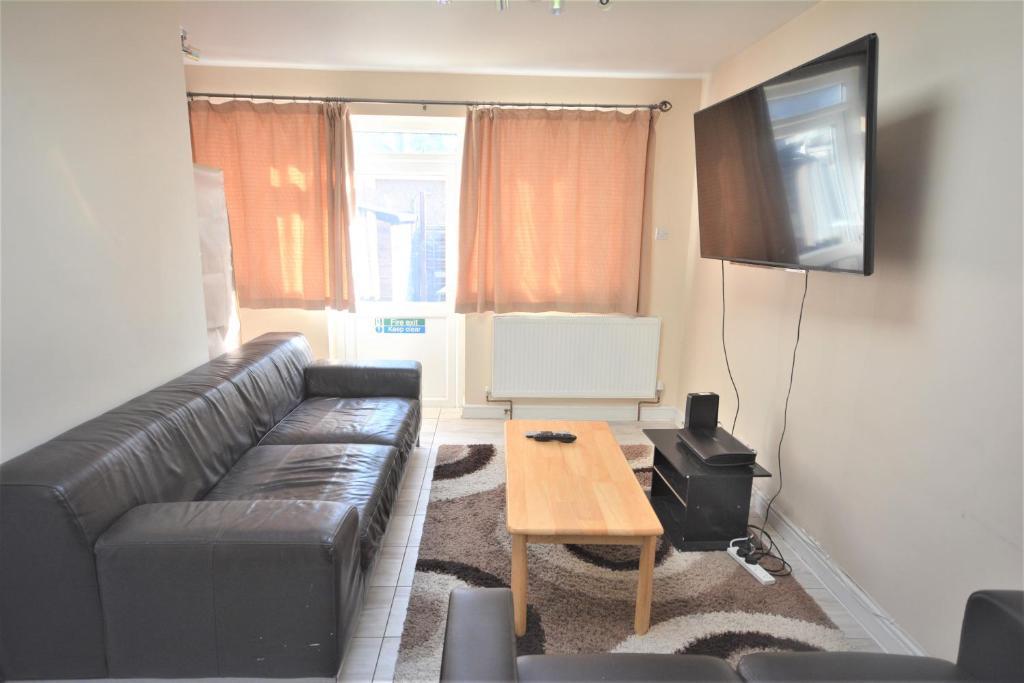 London Deluxe 6 Bedroom House