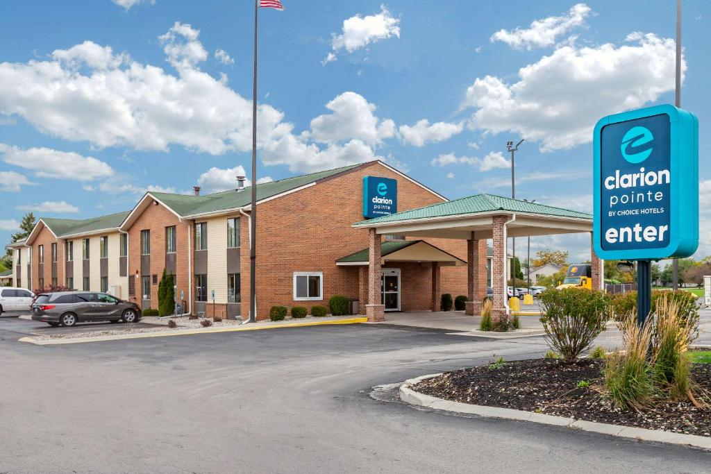 Clarion Pointe by Choice Hotels Racine