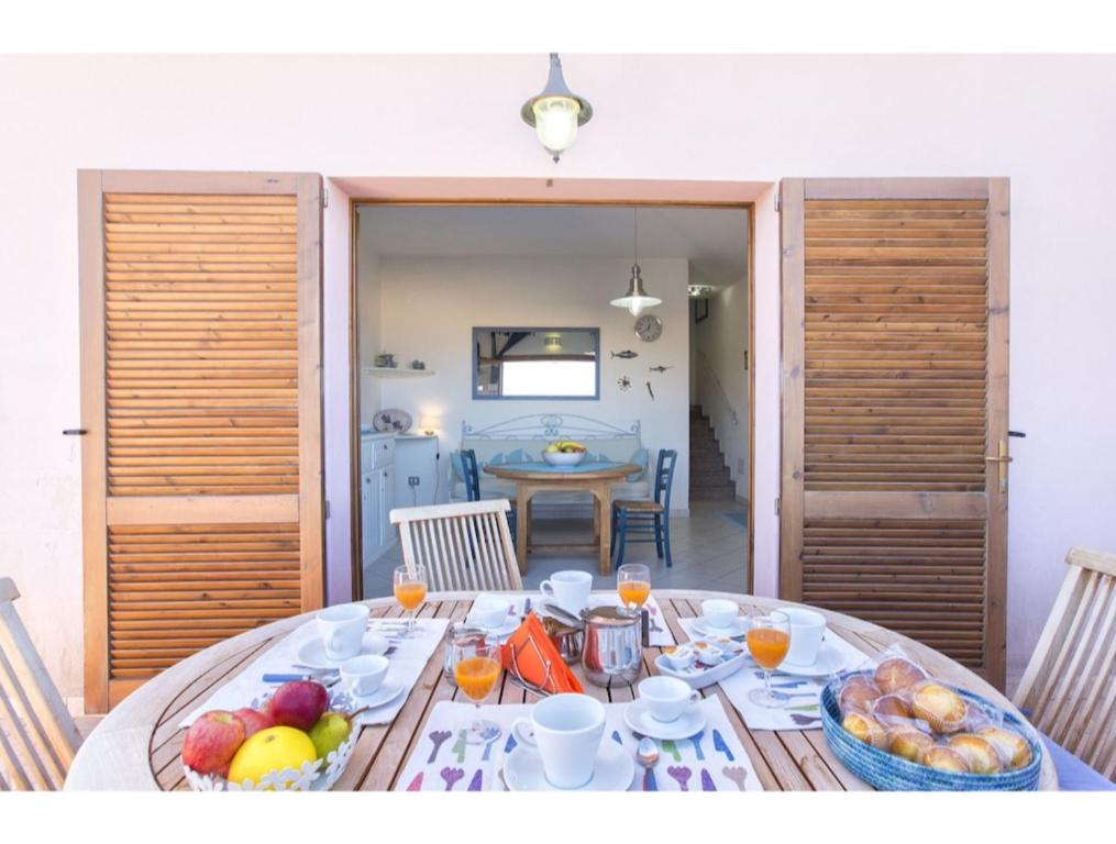 Torre dei Corsari, apartment with sea view and near the beach for 5 img4