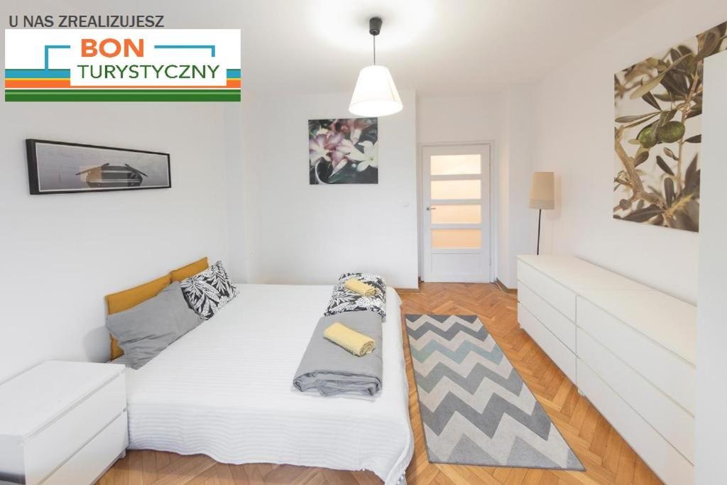 Bright apartment at Metro Centrum - Royal street