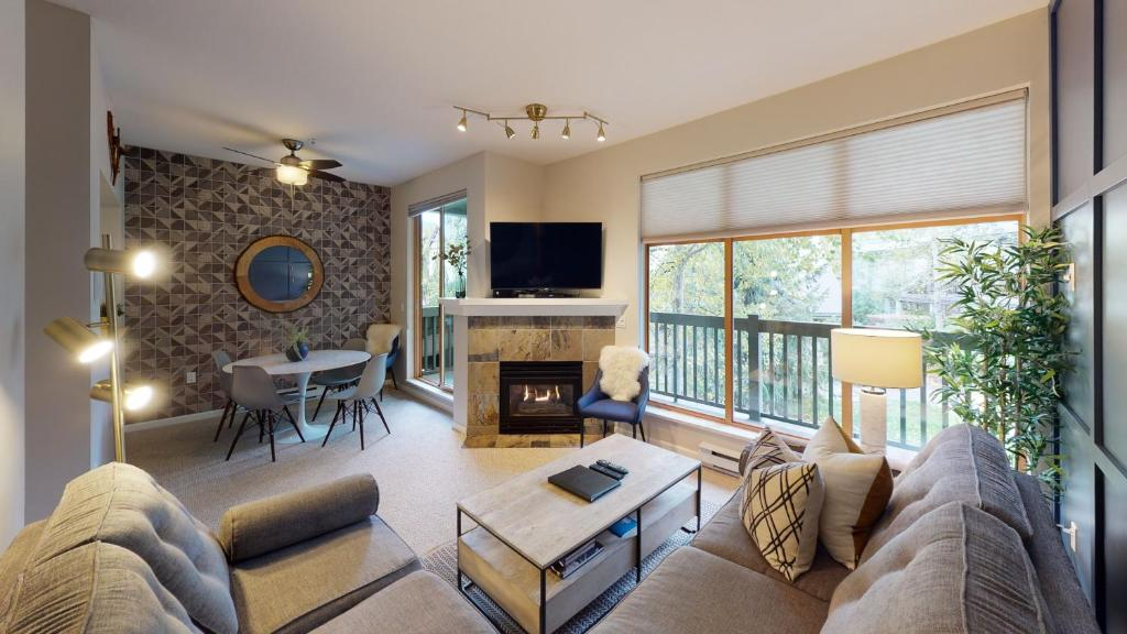 Designer Townhome In Whistler Village with Pool and Hot Tub