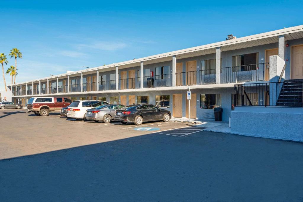 Rodeway Inn Phoenix North I-17