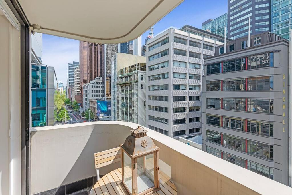 Central Akl Apartment with Balcony Perfect Location