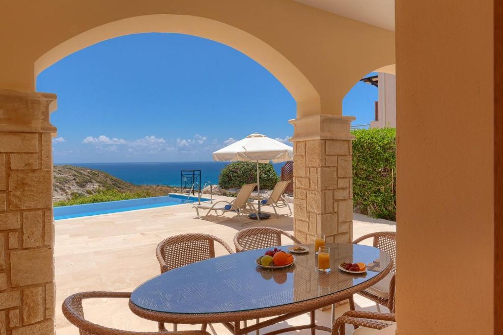 Aphrodite Hills Junior Villas Junior Villa TE02 Air Conditioning Private Pool 2 Bedrooms P