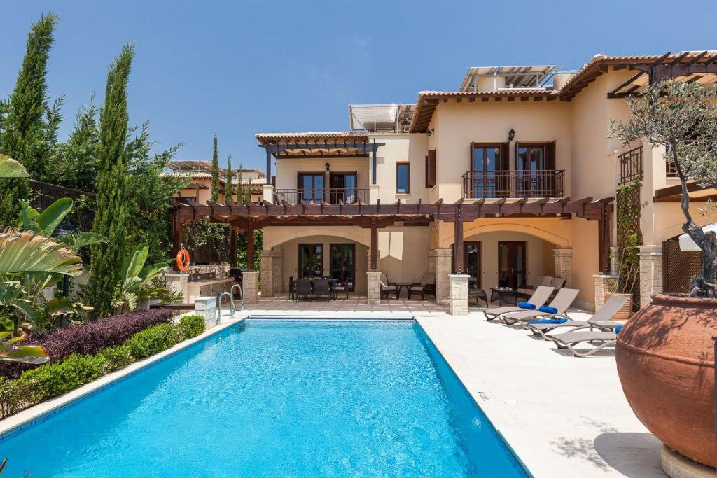 Aphrodite Hills Elite Villas Elite Junior Villa AJ05 Private Pool 3 Bedrooms Paphos