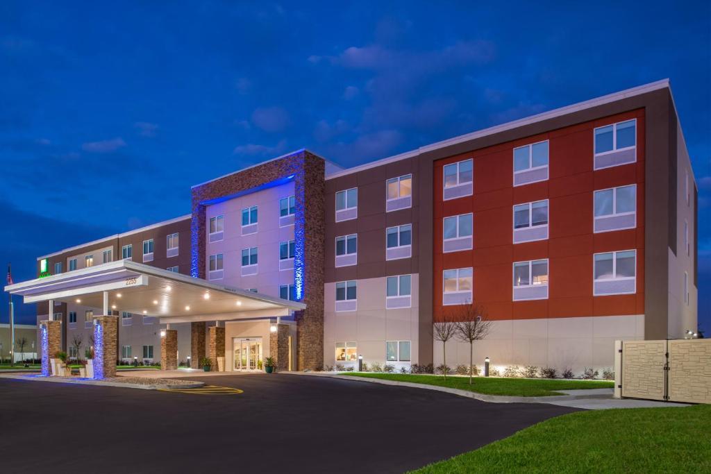 Holiday Inn Express & Suites Alachua - Gainesville Area, an IHG Hotel