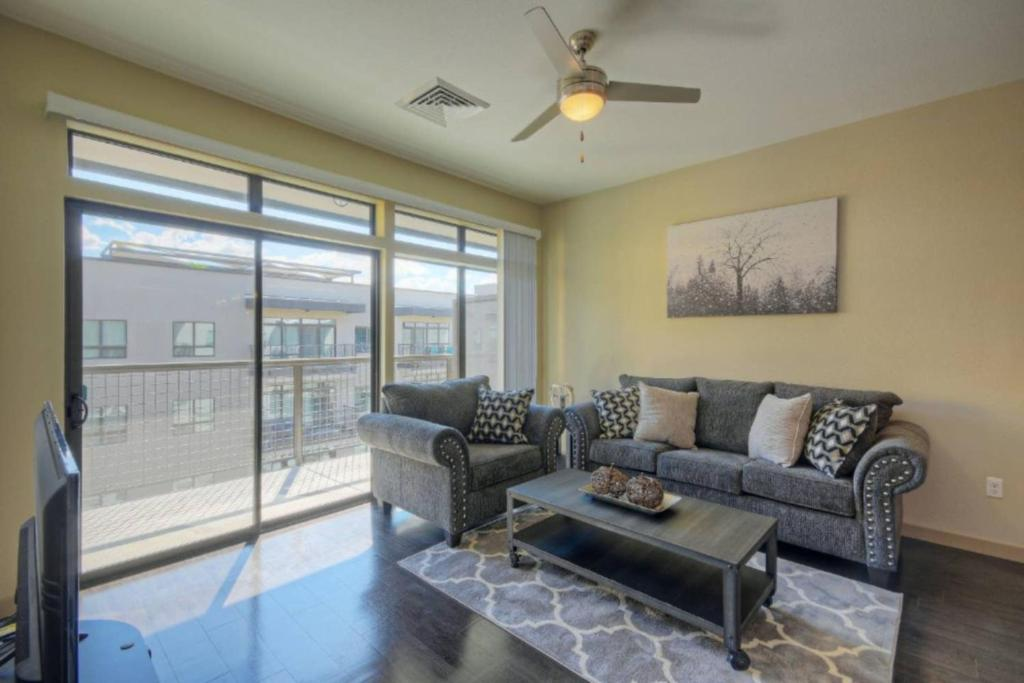 Roosevelt Row ∎ Downtown Phoenix ∎ Full Luxury Apartments