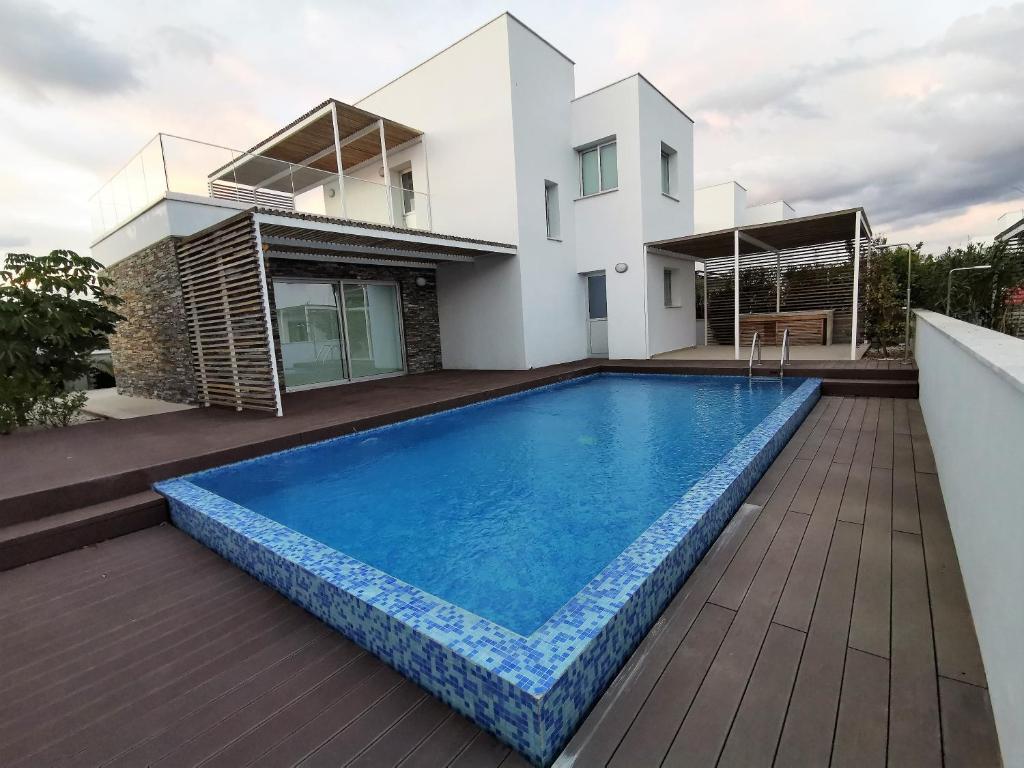 Luxury new villa Poseidon Plage Residences