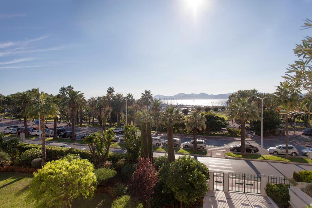 IMMOGROOM- 4 - 120m Luxurious & sea view-La CROISETTE-CONGRESSBEACH