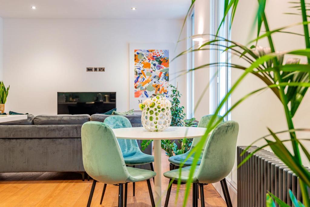 ARCORE Premium Rental Shaftesbury Avenue