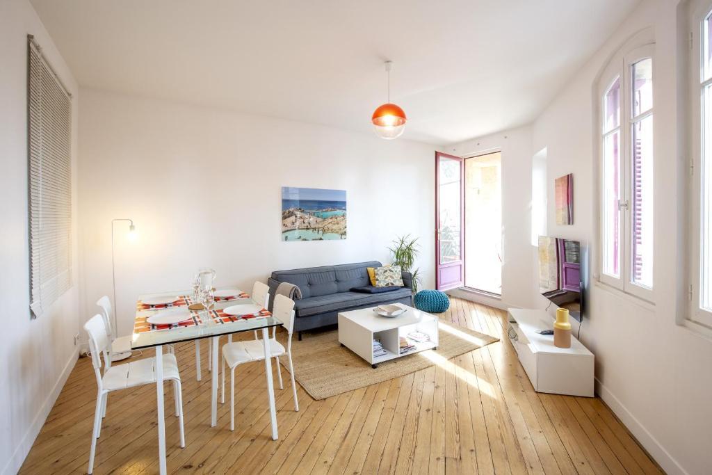 Place Saint Michel Apartment