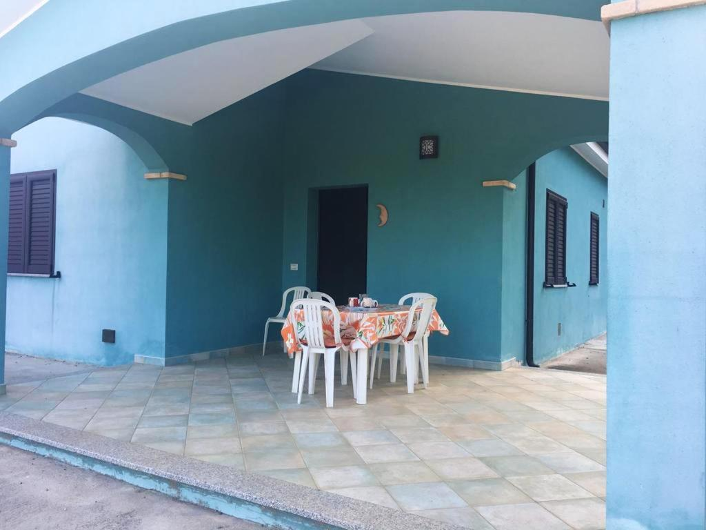 House with 2 bedrooms in Cardedu with wonderful sea view enclosed garden and WiFi 1 km from the beach bild2