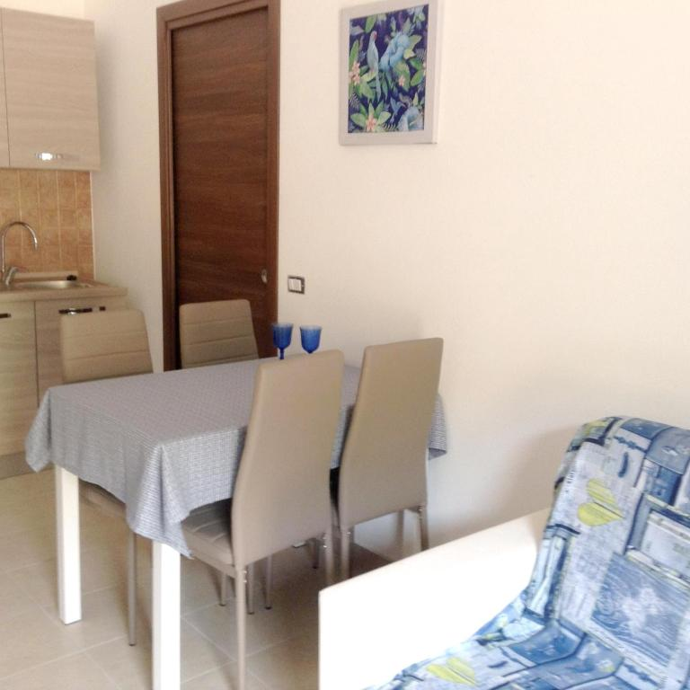 Apartment with one bedroom in Cardedu with enclosed garden and WiFi 1 km from the beach bild1