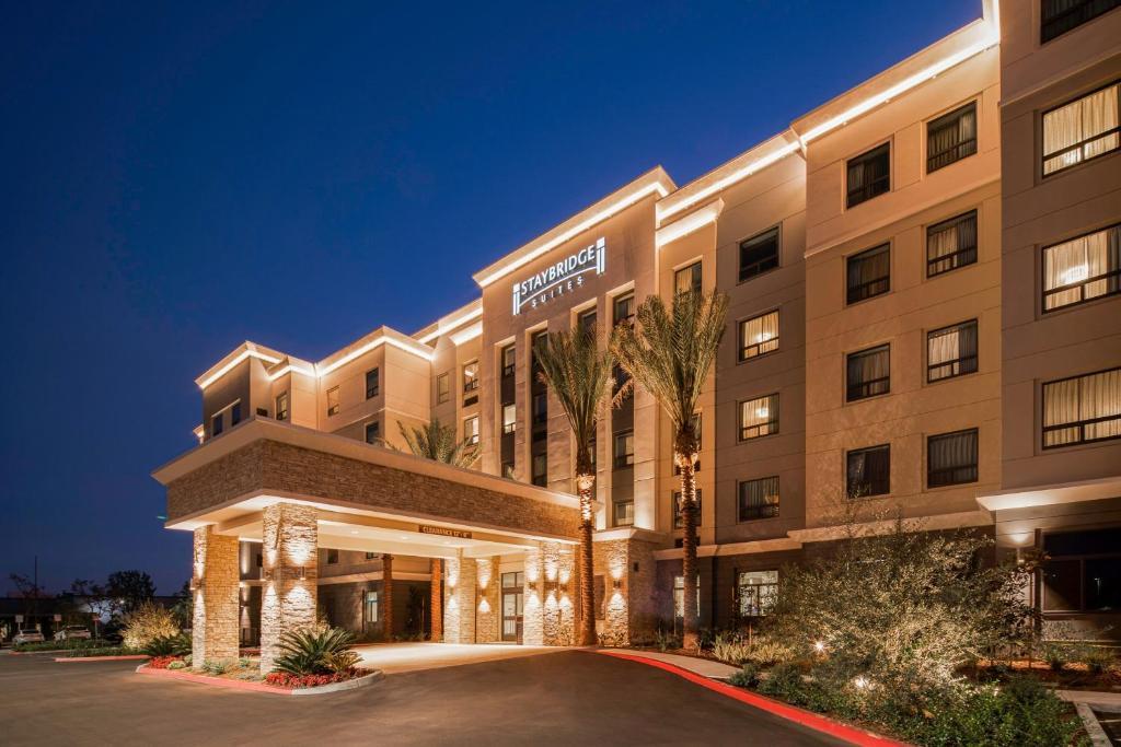 Staybridge Suites Irvine - John Wayne Airport, an IHG Hotel