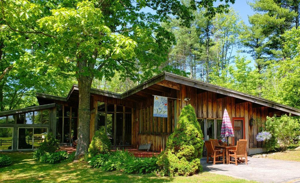 WindaBrook Farm & Lodge Close Enuff & Far Enuff from EVERYTHING