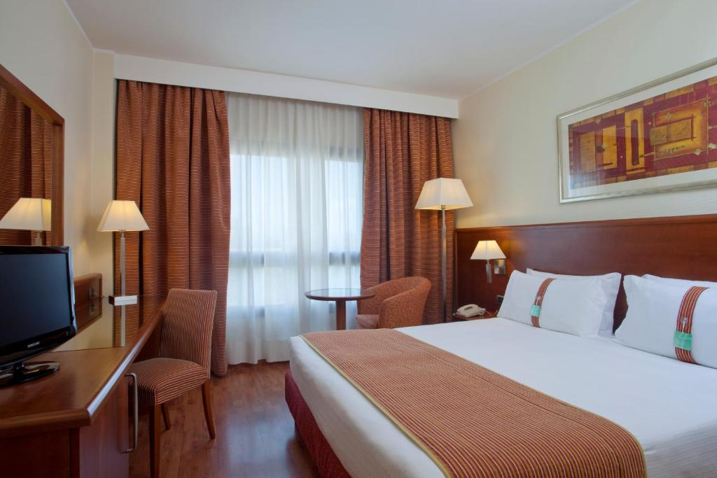 Holiday Inn Cagliari, an IHG Hotel image4