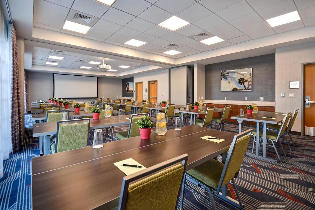 Hampton Inn for Business Traveler