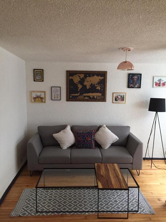 Lindo y cómodo departamento , excelente ubicación.