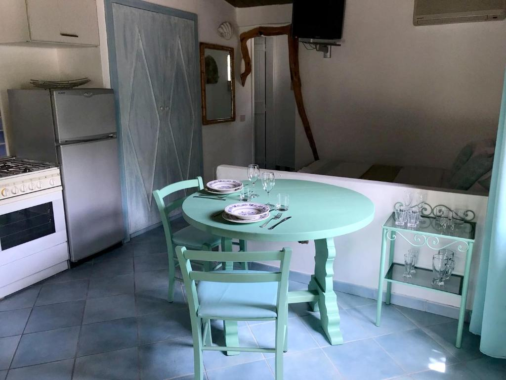 Studio in Olbia with shared pool and enclosed garden 2 km from the beach bild4