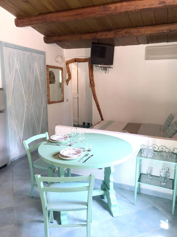 Studio in Olbia with shared pool and enclosed garden 2 km from the beach bild9