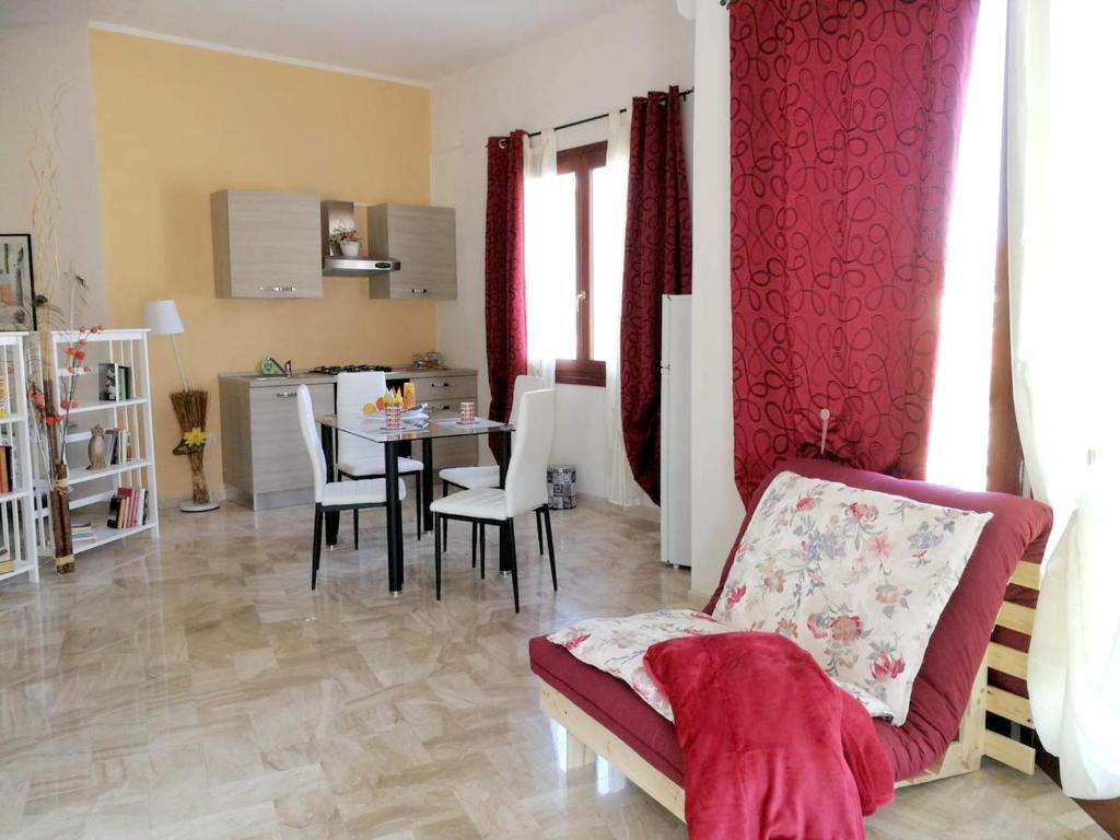 Studio in Villacidro with balcony and WiFi bild1
