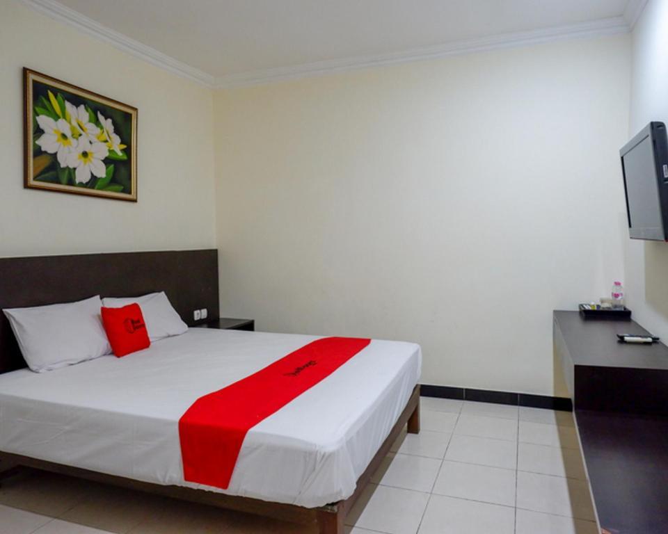 RedDoorz Plus @ Hotel Asih UNY