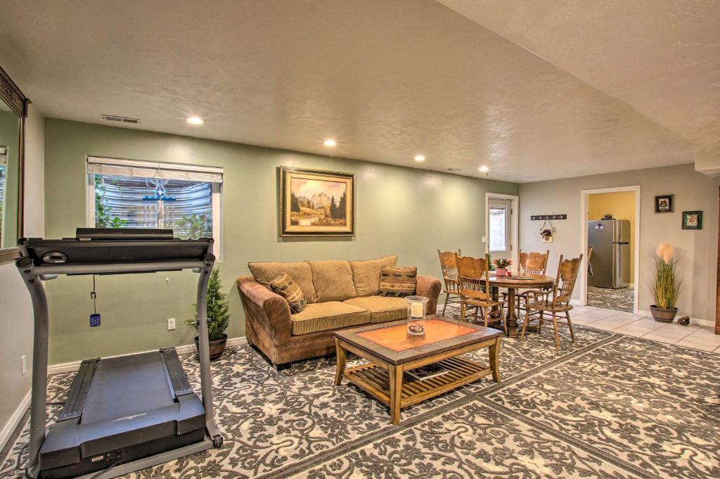 Apartment on Farm Less Than 25 Mi to 3 Ski Resorts!