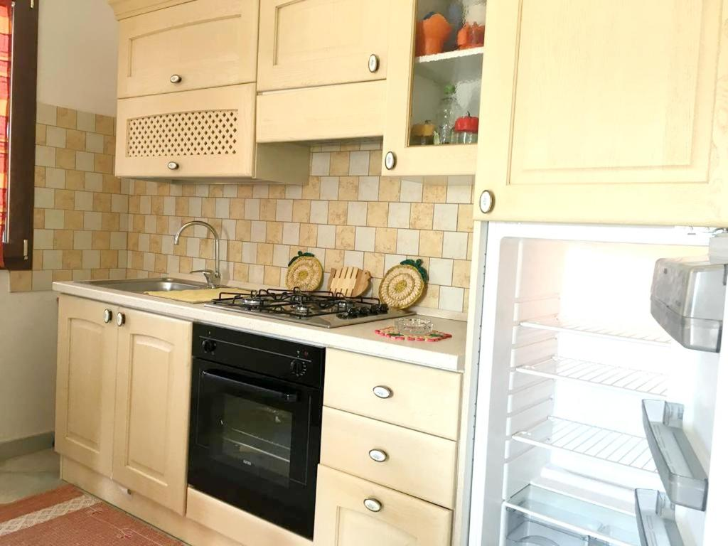 House with 2 bedrooms in Cardedu with wonderful sea view enclosed garden and WiFi 1 km from the beach bild9