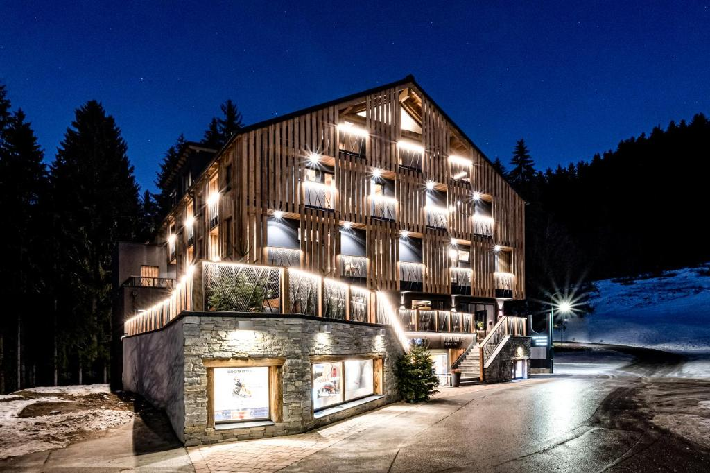 Almmonte Präclarum Suites Design Hotel - SKI IN-SKI OUT
