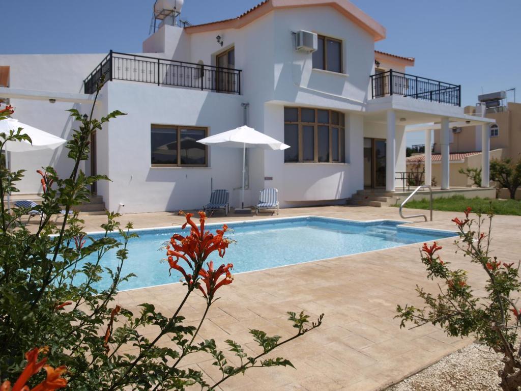 Mariandy Villa 2