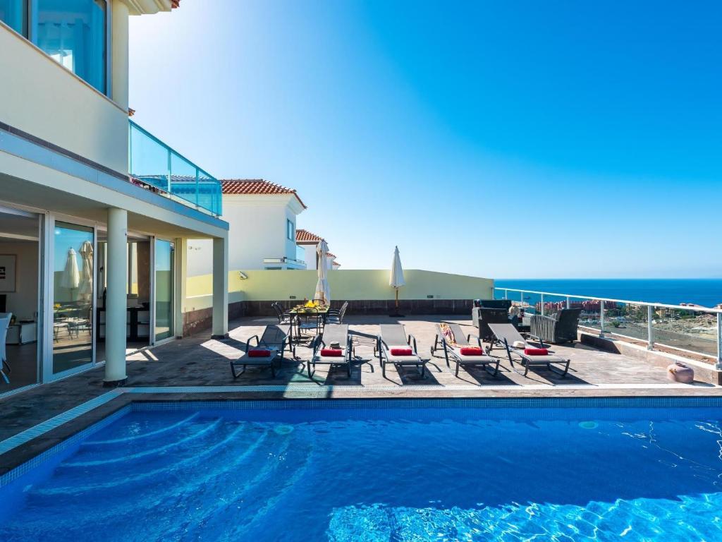 Villa infinity caleta ocean view heated pool