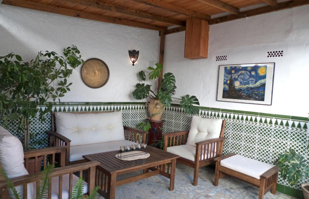 LA CASA DE LOS PINTORES, junto al centro de Granada