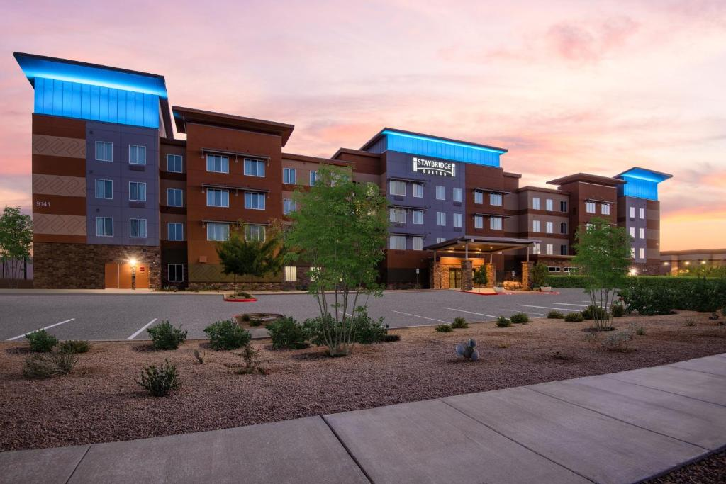 Staybridge Suites - Scottsdale - Talking Stick, an IHG Hotel