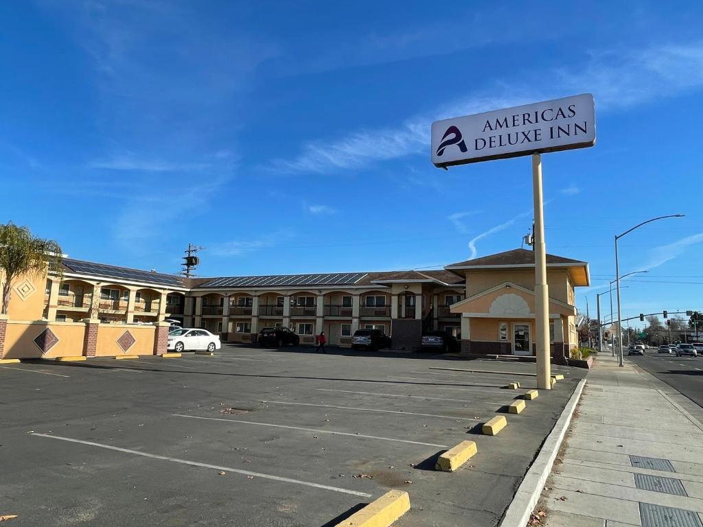 Americas Deluxe Inn- Marysville