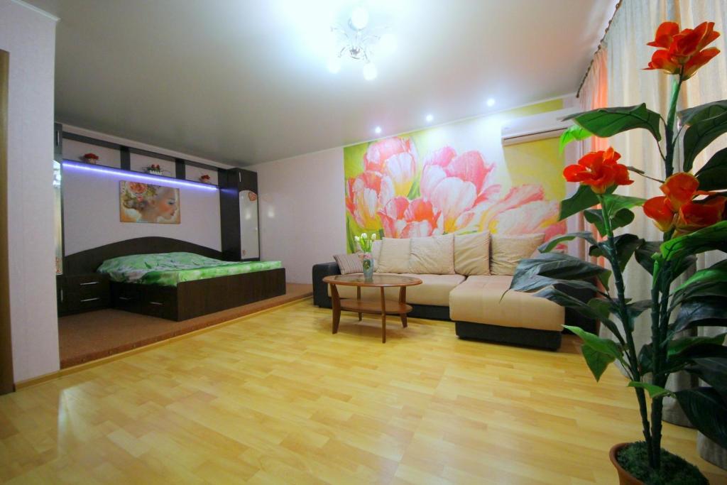 Apartment on Chapaeva 128/130