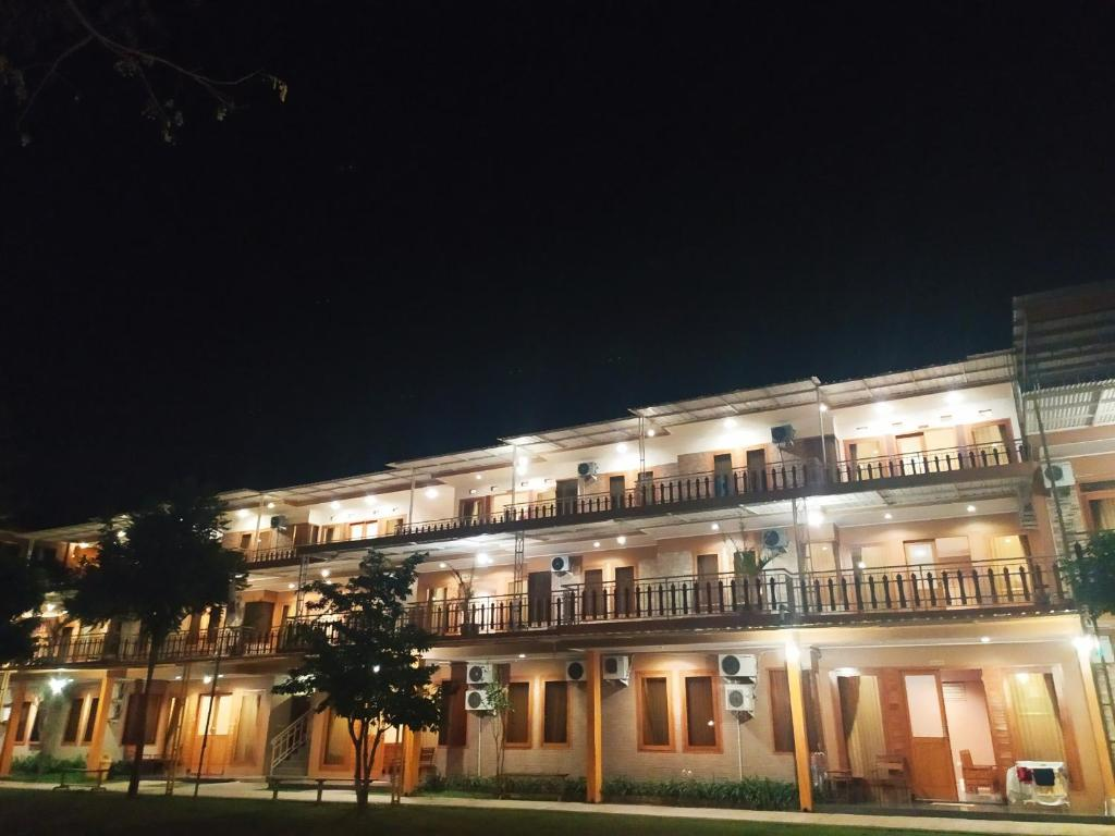 Arayanna Hotel & Resort