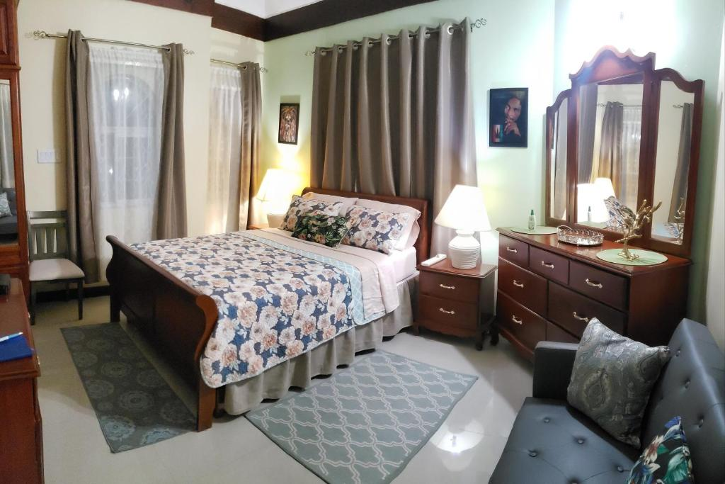 Jan's HideAway - Private Studio in Gated Community --Caribbean Estates, Portmore