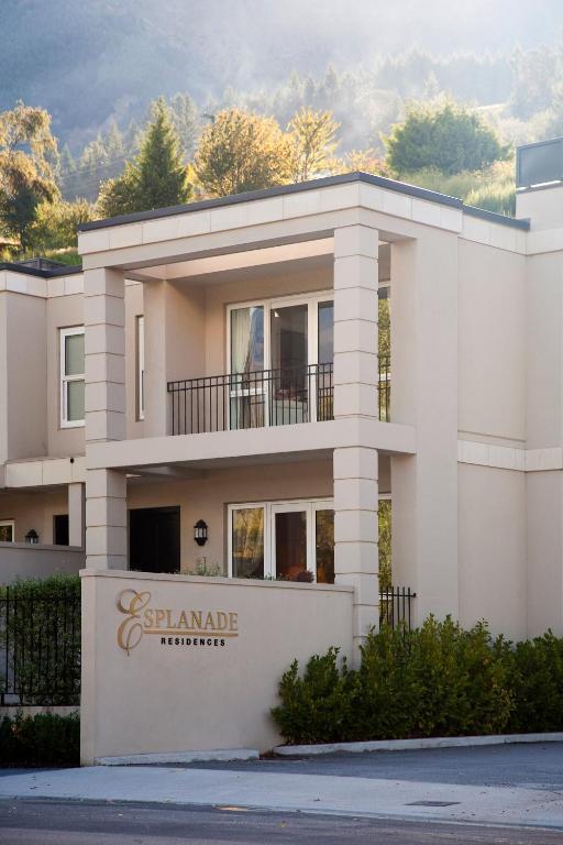 Esplanade Villa 16