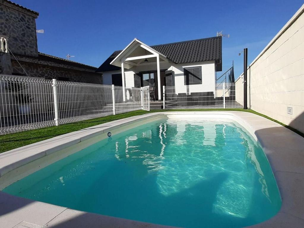 Appealing Holiday Home in Conil de la Frontera with Pool