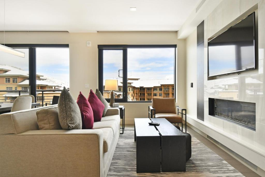 New 1 BR Residence in Canyons Village- Ski in ski out! condo