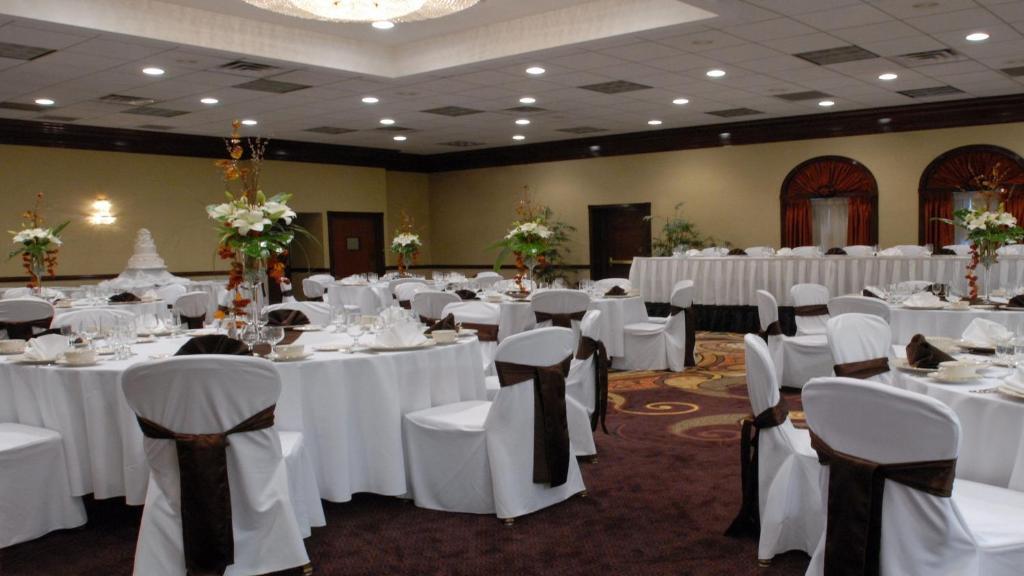 Holiday Inn Youngstown-South - Boardman, an IHG Hotel