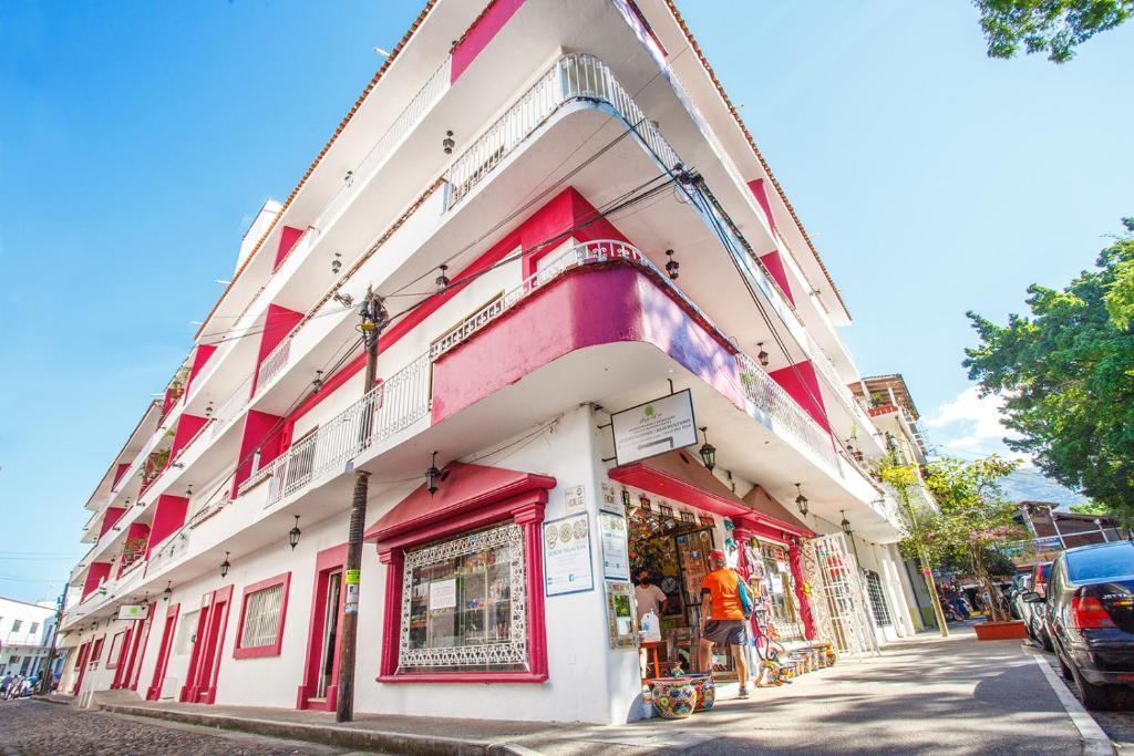 Suites Plaza del Rio - Family Hotel Malecón Centro
