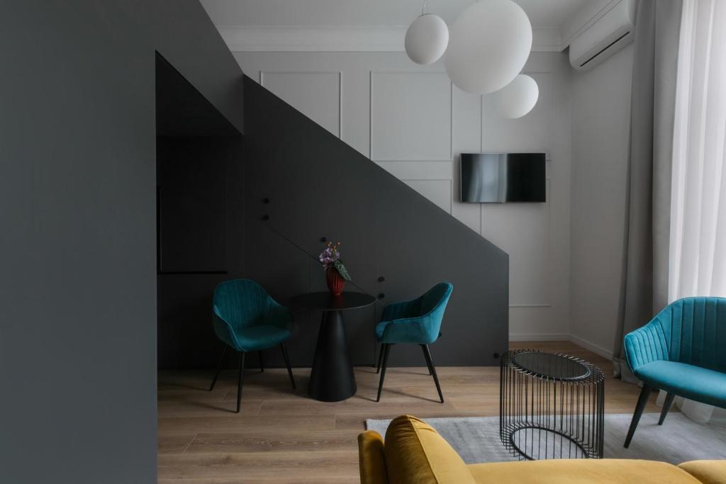 Bumblebee Luxury Apartments 2