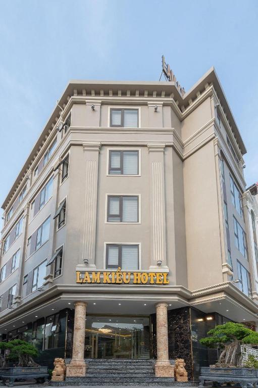 Lam Kiều Hotel