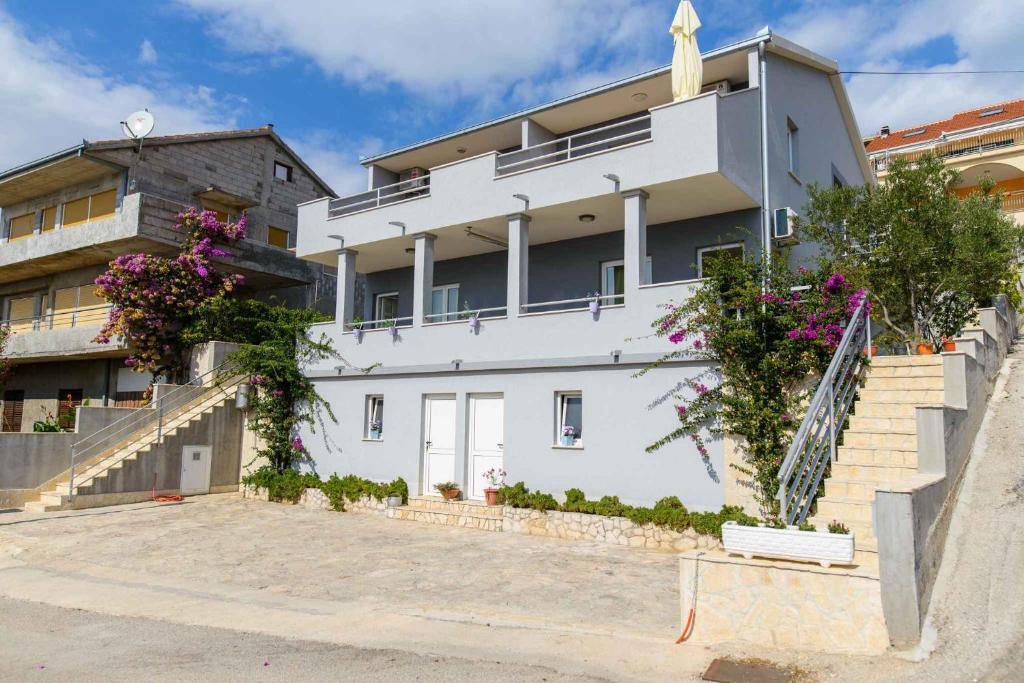 Apartment Okrug Gornji 12