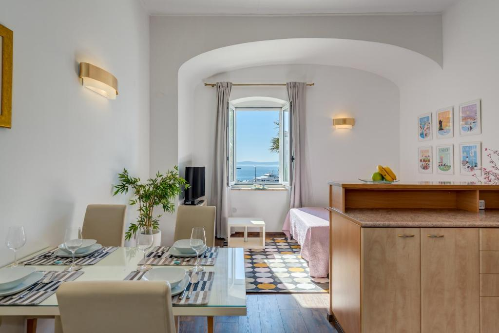 Apartments Riva Lucija